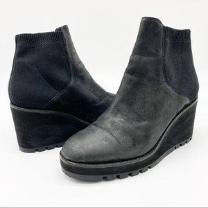 Eileen Fisher Adele Burnished Leather Chelsea Black Boot 7.5